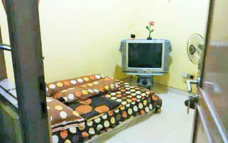 Comfort Room near Stasiun Lempuyangan at Wisma Bu Yanti 1 Yogyakarta - Standard (Max CheckIn 11PM)