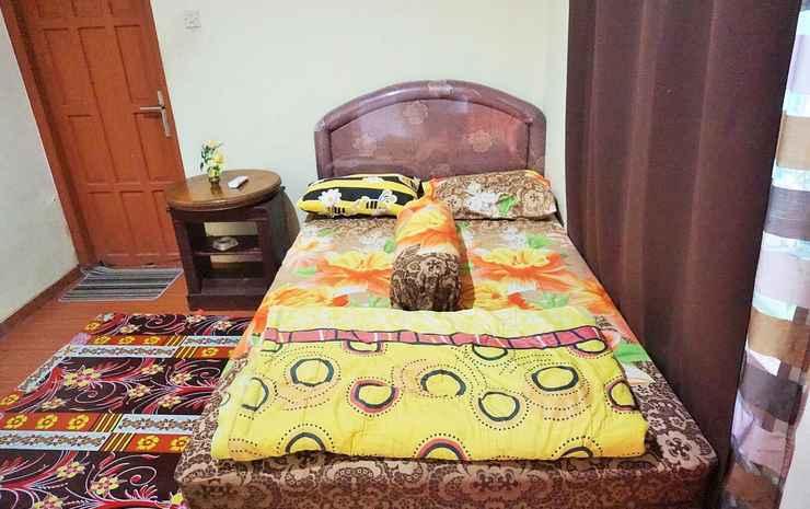 Comfort Room near Stasiun Lempuyangan at Wisma Bu Yanti 1 Yogyakarta - VIP Standard (Max CheckIn 11PM)