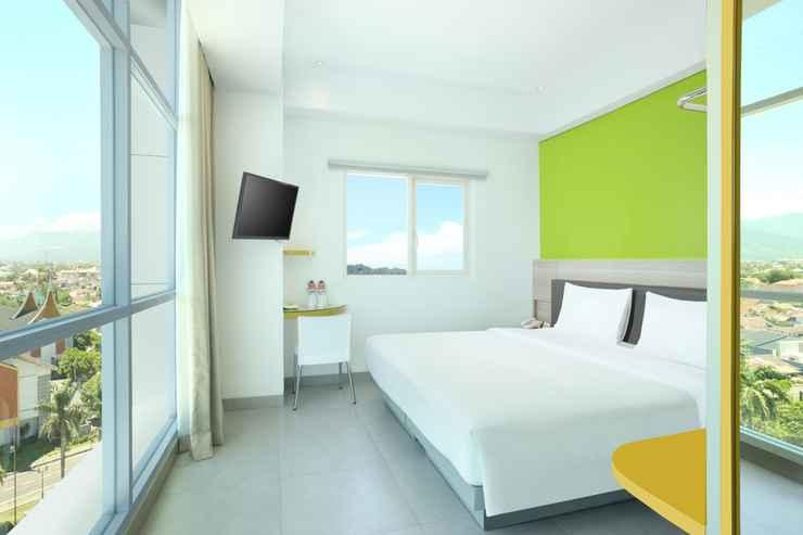 BEDROOM Amaris Hotel Padang