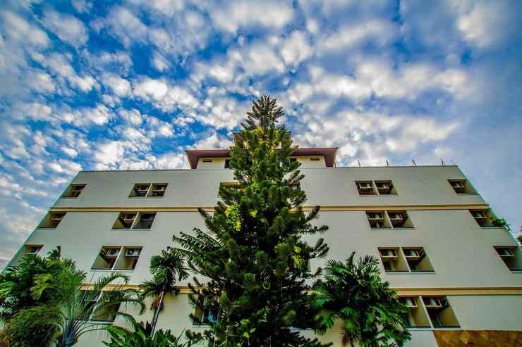 EXTERIOR_BUILDING Palm Ville Pass-Up Mansion