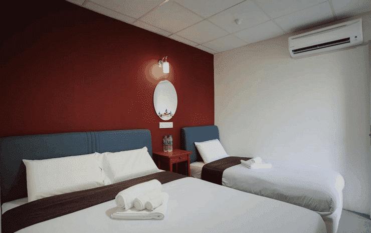 Urban Bird Hotel Kuala Lumpur - Deluxe Triple Room