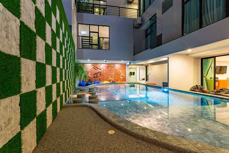 SWIMMING_POOL OneLoft Hotel