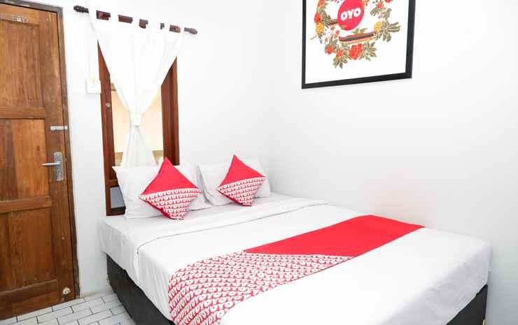 OYO 422 Achterhuis Guesthouse Semarang - Standard Double