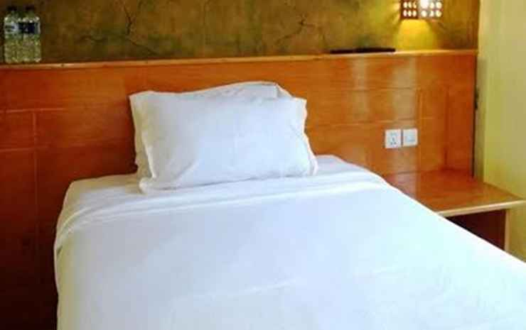 Grand Desa Resort Cimaja Sukabumi - Resort TOPAS 4 Kamar AC