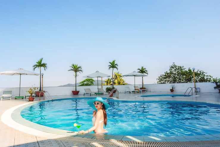 SWIMMING_POOL Yasaka Saigon Nha Trang Hotel & Spa