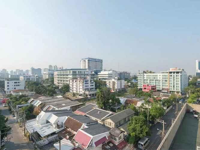 LOBBY Bangkok Room by City Court
