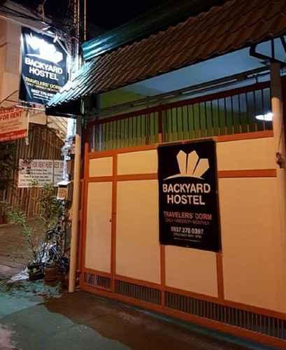 LOBBY Backyard Hostel Manila