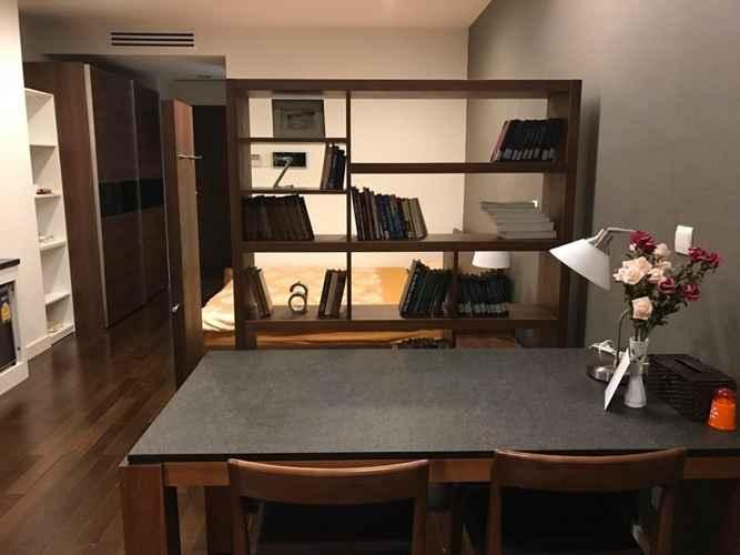 LOBBY Lancaster - A Businessman's Home