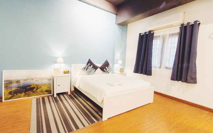 Thonglor travellers hostel and cafe Bangkok - Private double bed share bathroom (Juliet Room)