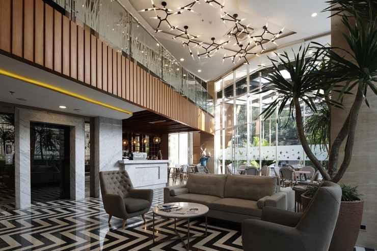 LOBBY Verse Luxe Hotel Wahid hasyim