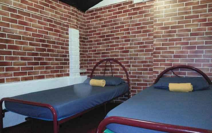 Memory Guesthouse JB Johor - Budget Twin Room with Shared Bathroom