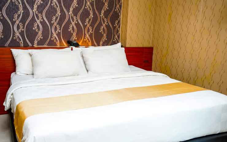 Jles Hotel Manado Manado - Deluxe Double ( bed size 180x200) Room Only