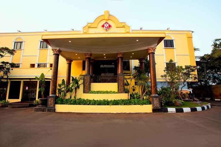 EXTERIOR_BUILDING BI Executive Hotel