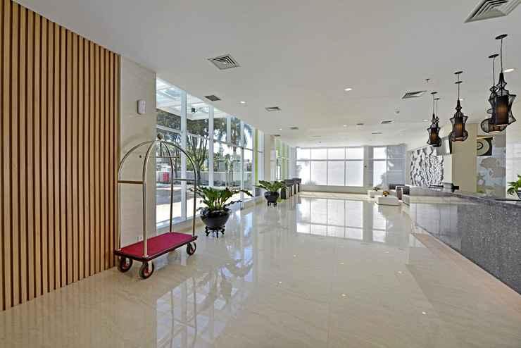 LOBBY Whiz Prime Hotel Sudirman Cilacap