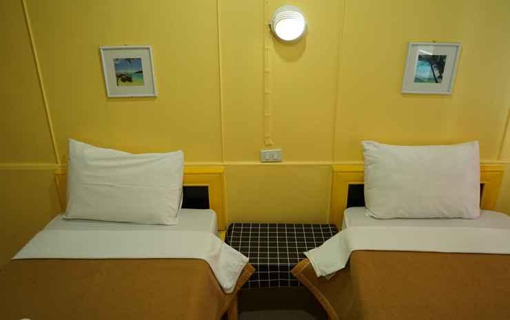Yes Kaosan Bangkok - Twin Room A/C with sharing Bathrooms