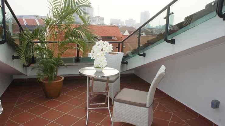 EXTERIOR_BUILDING Heeren Straits Hotel