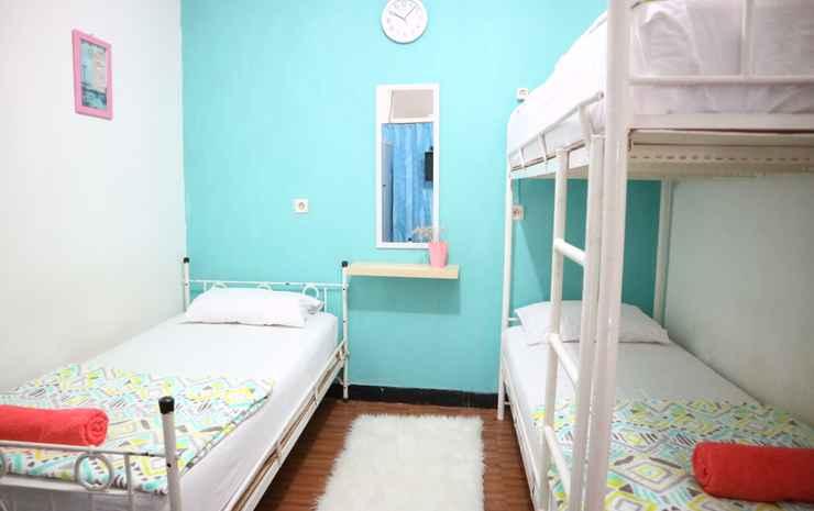 Zenrra House Bandung - Economy Triple Room
