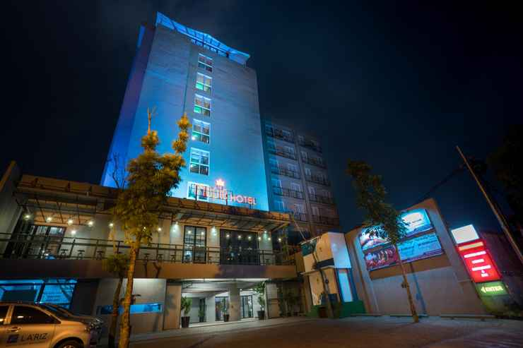 EXTERIOR_BUILDING Maple Hotel Grogol