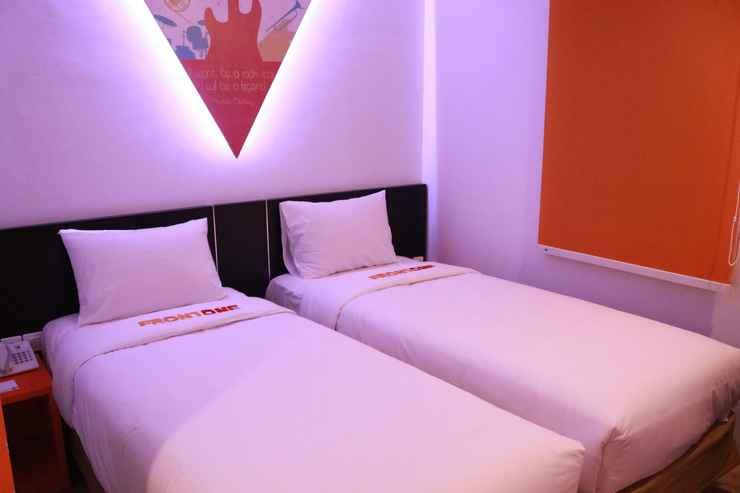 BEDROOM Front One Inn Semarang
