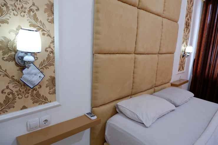 BEDROOM Griya Limasan Hotel
