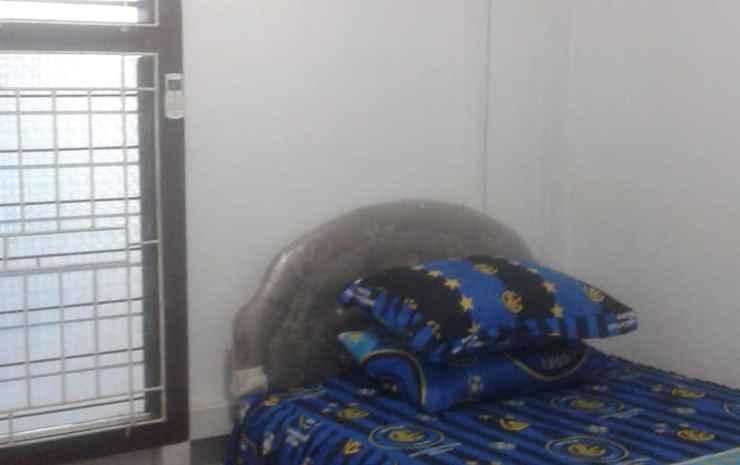 Cozy Room at Mi Casa Singkawang - Standard AC - shared bathroom (pasangan butuh bukti nikah)