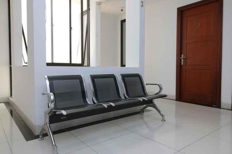 EXTERIOR_BUILDING Travero Rooms