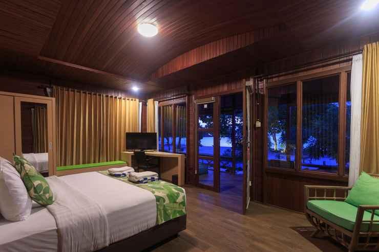 BEDROOM Sylvia Beach Villa