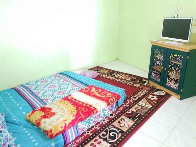 BEDROOM Simple Room at Homestay Briliant