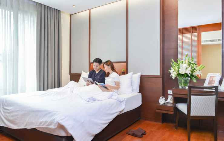 Amanta Hotel and Residence Ratchada Bangkok - One Bedroom Premium Deluxe Suite with City View - Room Only