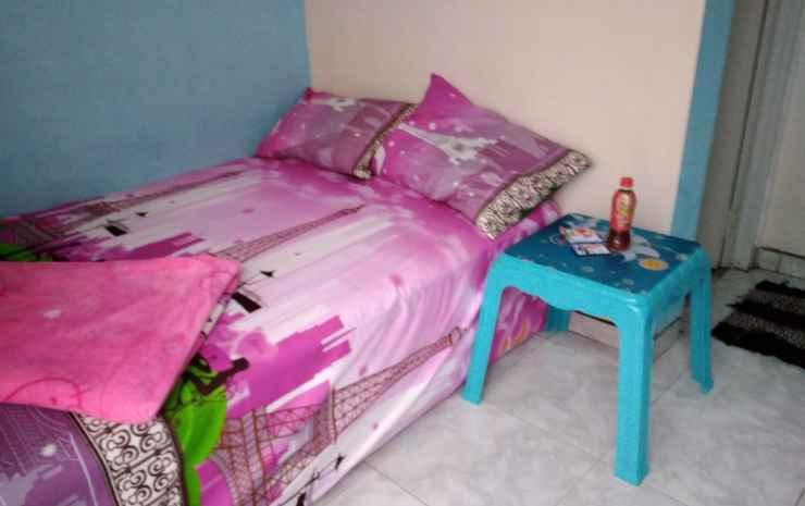 Pinky Guest House Syariah Kota Batu Malang - Standard (2 orang) Parkir Motor Only