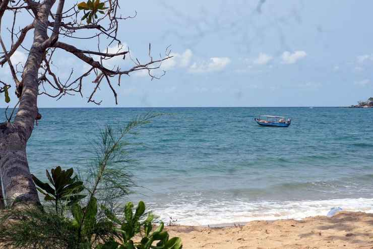 VIEW_ATTRACTIONS Gold Sand Beach Bungalow