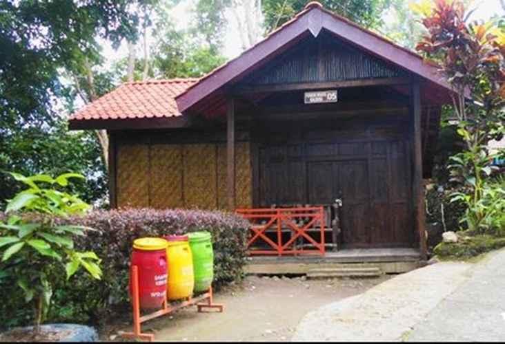 Groupy Room At Pondok Wisata Kalibiru Kulon Progo Regency The Best Price Only In Traveloka