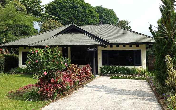 Terrace Villa Golf Bogor - Villa Deluxe 5 Kamar