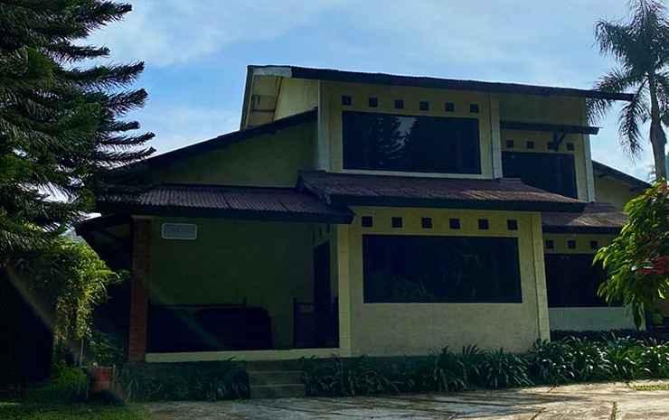 Terrace Villa Golf Bogor - Villa Deluxe 4 Kamar