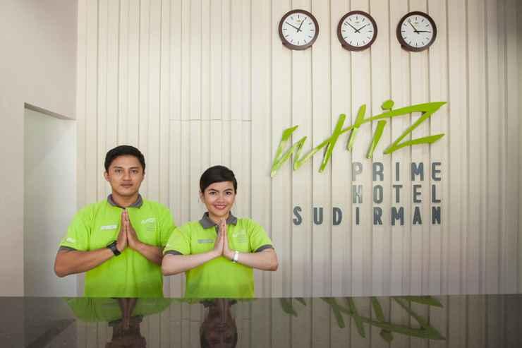 LOBBY Whiz Prime Hotel Sudirman Makassar