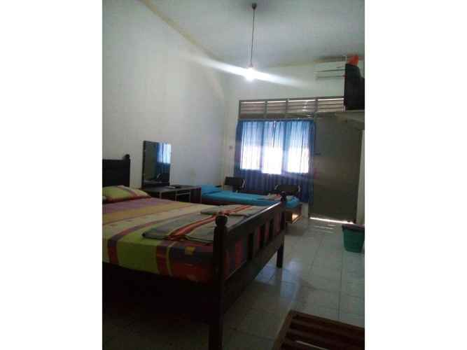 BEDROOM Budget Room near Alun-alun Wonosari at Wisma Ganesha By Selo