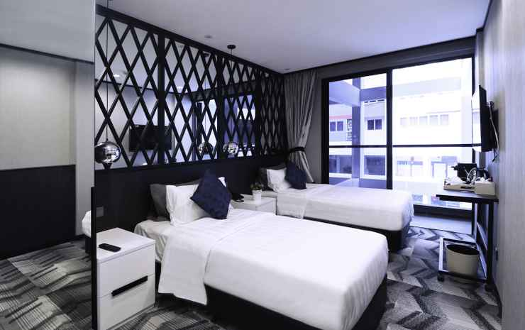 Hotel Nuve Urbane Singapore - Deluxe Twin with balcony (pool view)