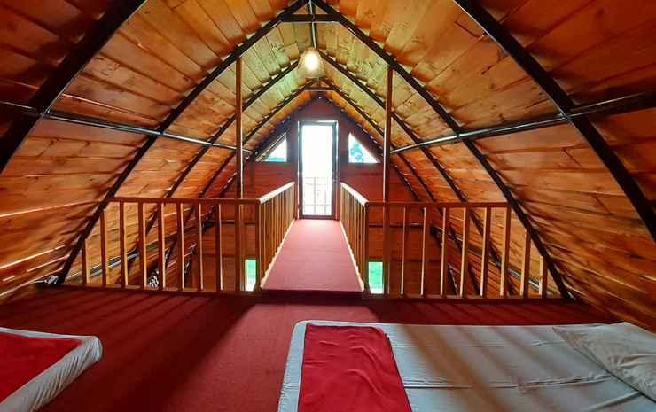 Shinta Corner Ranch and Resort Bandung - Cemara Room