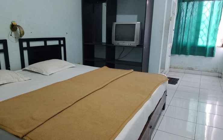 Green Hill Pasindangan Syariah Hotel Cirebon - Standard Family AC B