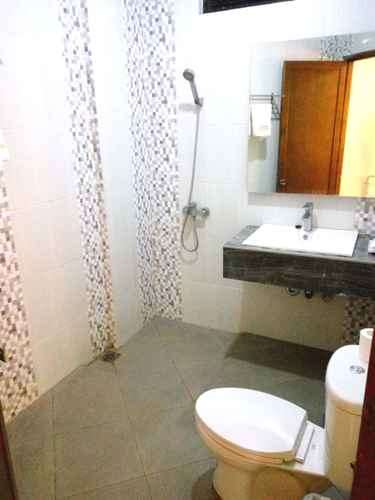 BATHROOM Hotel Matahari Yogyakarta