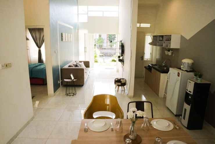 LOBBY Villa Karina Batu - Two Bedroom