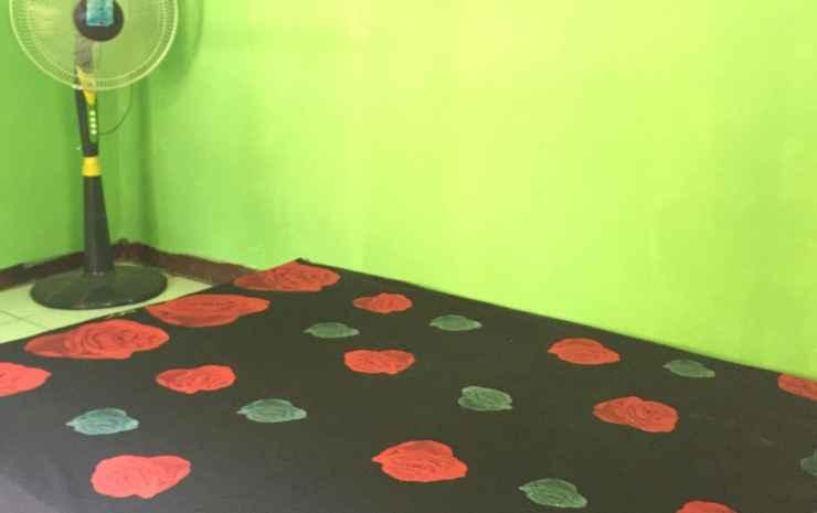 Homestay Hj Entin Geopark Ciletuh Sukabumi - 2 Bedroom