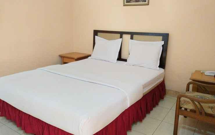 Hotel Slamet Mojokerto - Deluxe Room