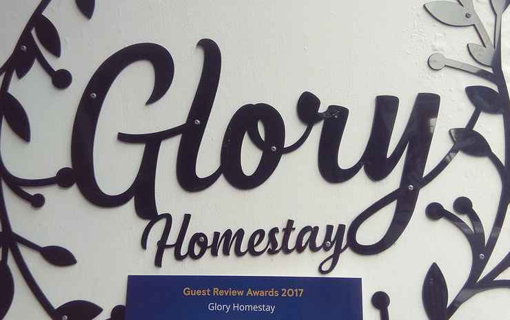 Glory Homestay Yogyakarta - Deluxe Room w/ Balcony