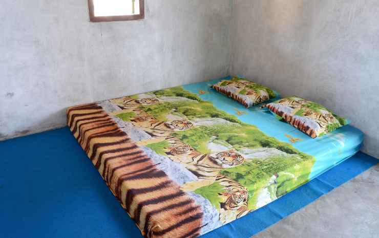 Beach Side Room at Pak Sarmin Homestay Kiluan 1 (MLY1) Tanggamus - Budger Room Only, Pasangan butuh bukti nikah