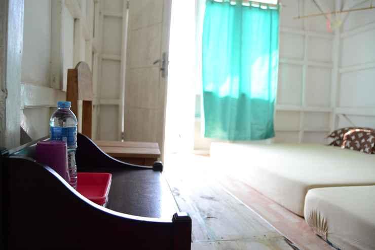 BEDROOM Water Front Room at Riko Homestay Kiluan 1 (RKO1)