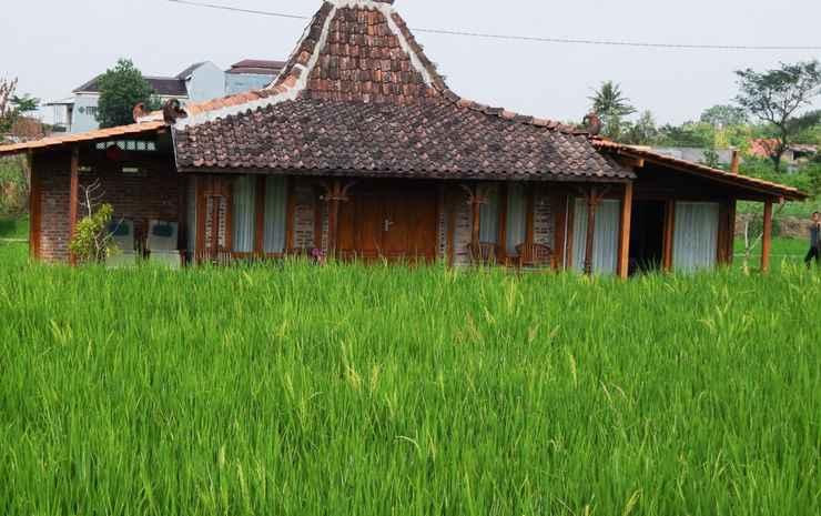 Alamanda Family Villas & Pool Yogyakarta - Family Merapi Joglo ( Max CheckIn 10PM )