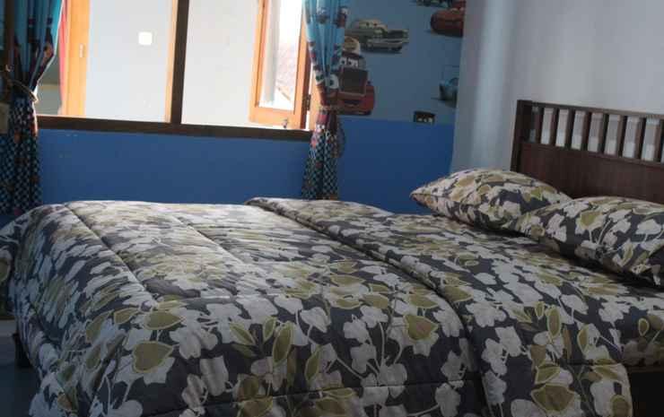 4 Bedroom Homestay at Rabbani Family Homestay Yogyakarta - 4 Bedroom (Max CheckIn 23.00)