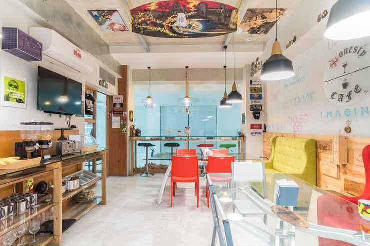 BAR_CAFE_LOUNGE Heroes Hotel
