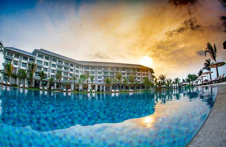 SWIMMING_POOL Vinpearl Discovery Cửa Hội